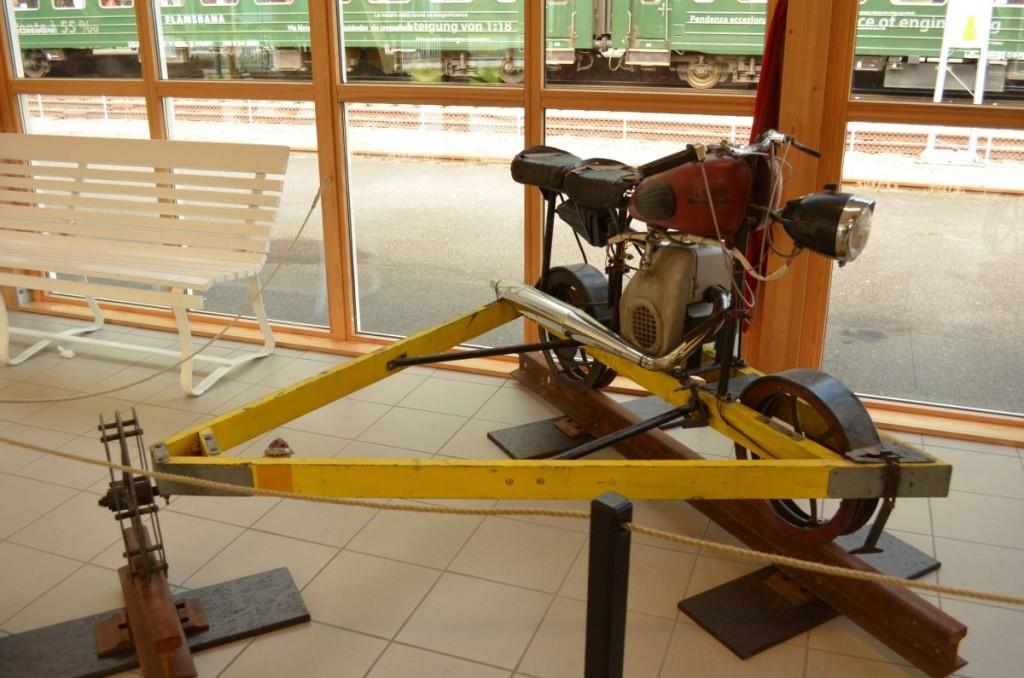 Une véritable petite moto des rails !!