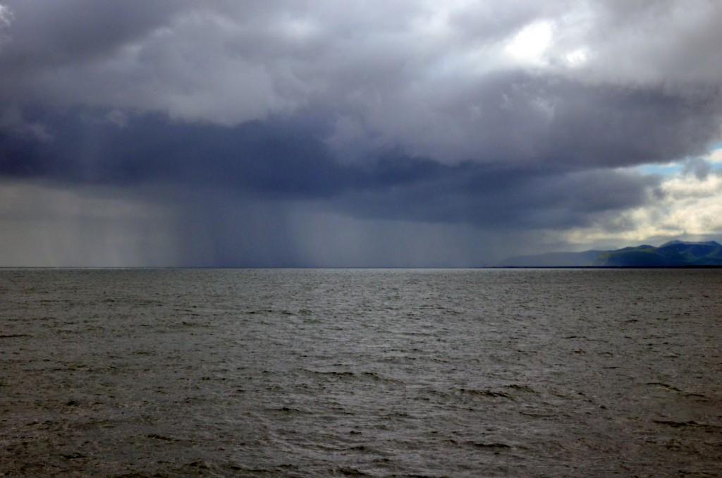 Je devais être le seul passager à baliser pour la météo ... pas à cause du bateau mais à cause de la moto